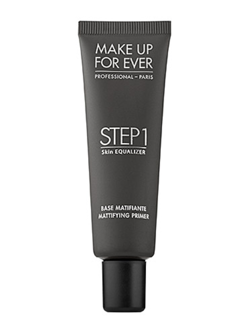 The consistency is very thin, and it seriously TRANSFORMS the way your foundation applies. I feel like I'm putting magic on my face.