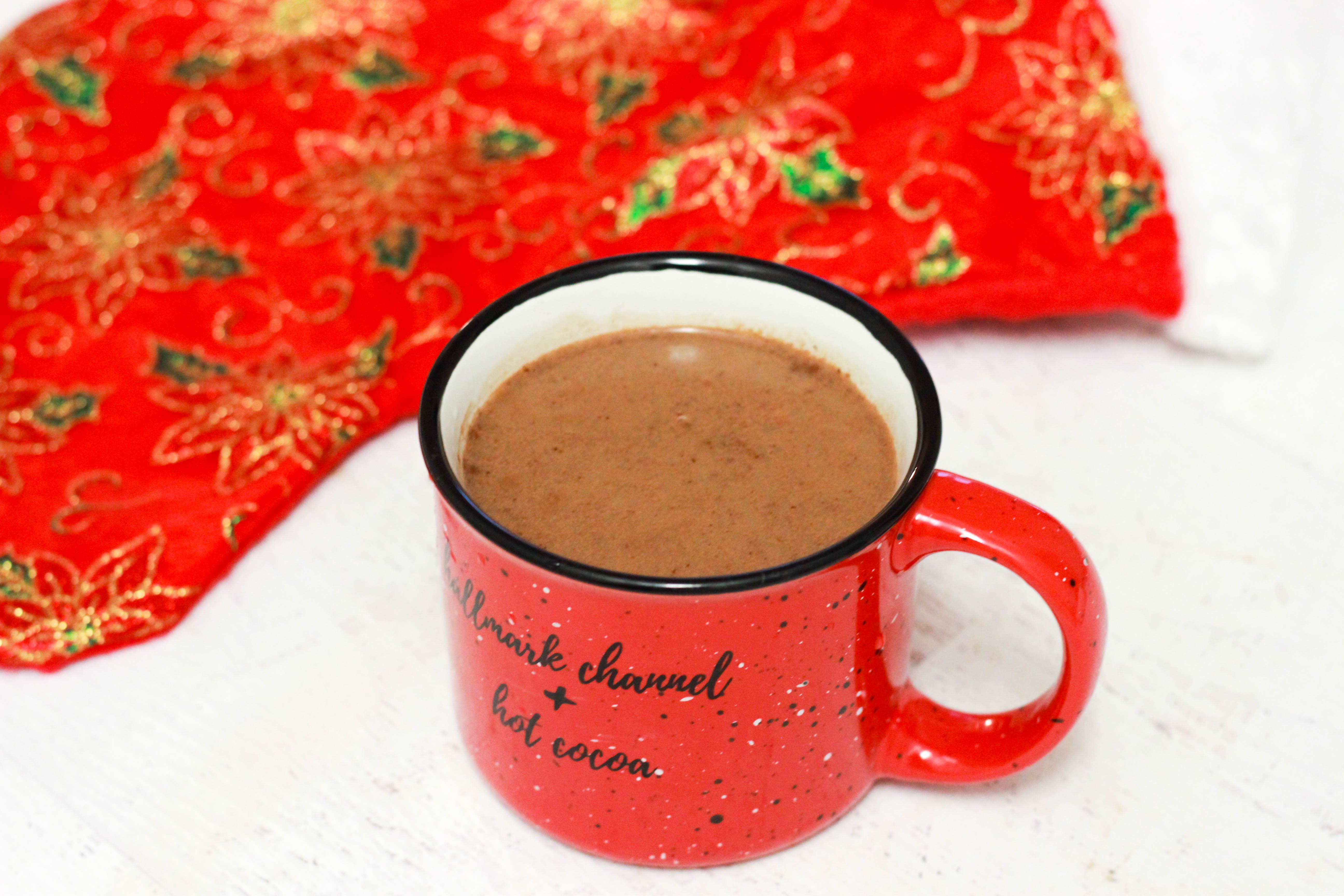 Paleo Sugar-Free Hot Chocolate (Vegan / Keto)